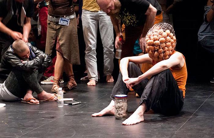 04MAtey-101yningunomas-JuanMarquez-CABEZABAJO - Museo de la Memoria/Granada/Festival Cabezaabajo/Foto Juan Marquez
